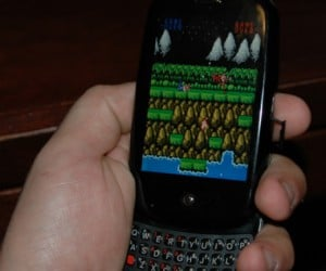 Are You a Debian Nerd? Then You Can Play NES on Your Palm Pre, Double Literally