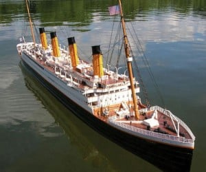 Giant Remote Controlled Rms Titanic: Hopefully There Are No Tiny Icebergs Around