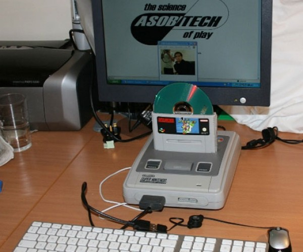 Super Nintendo Pc Casemod Runs 32-Bit Os in a 16-Bit Box