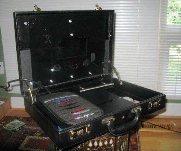 Casestation: Playstation 2 in a Briefcase