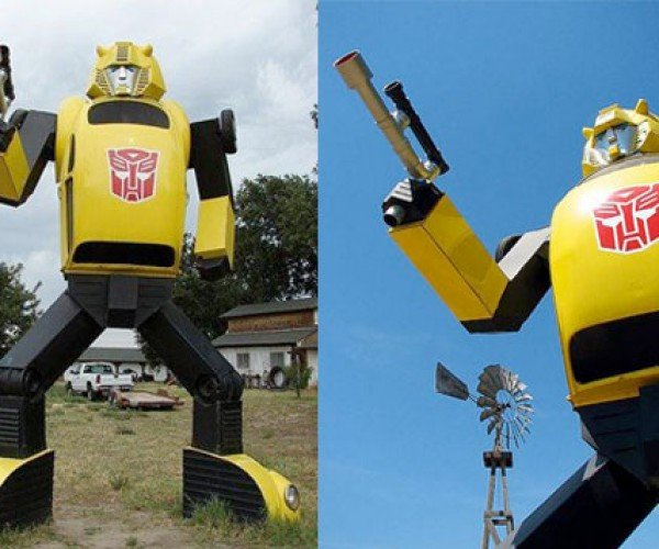Lifesize Bumblebee, Protecting the Farm [Transfomers]