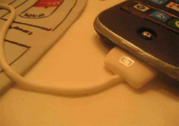 IPhone_Cake_Sugar_Cable