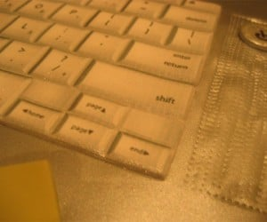 macbook cake keyboard 300x250