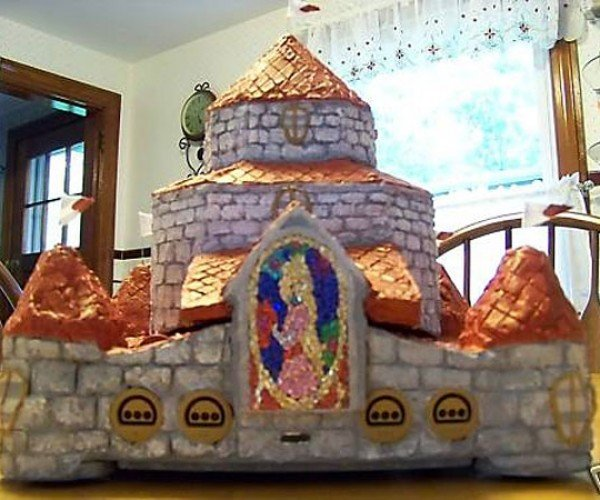 Princess Peach'S Castle N64 Casemod is Just a Little Over the Top