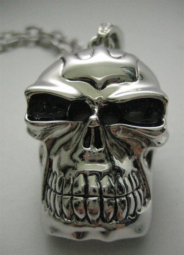 silver_skull_usb_flash_drive
