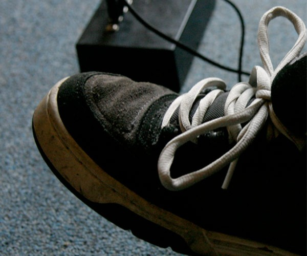 Beat Sneaks: Midi Drums in Your Shoes