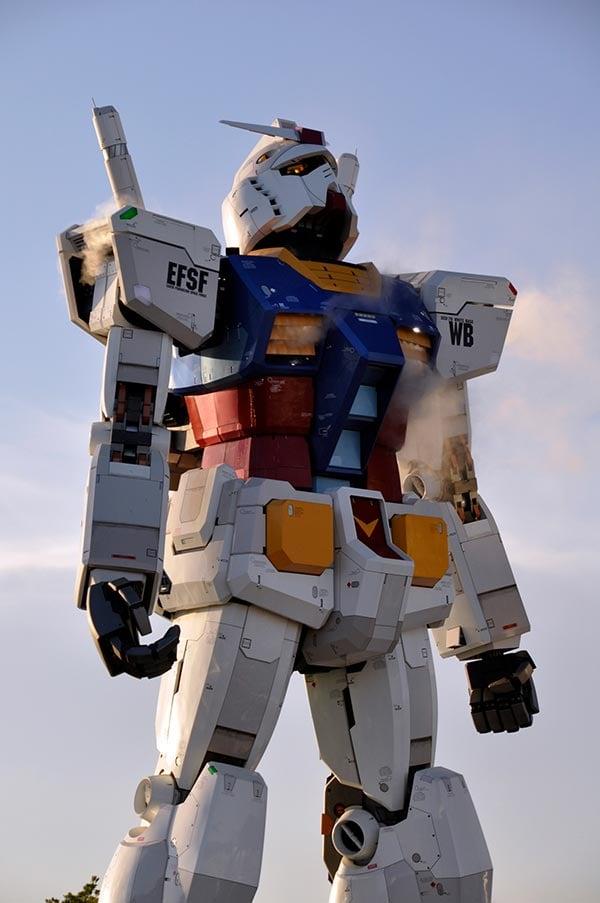 tokyo-gundam-statue-1