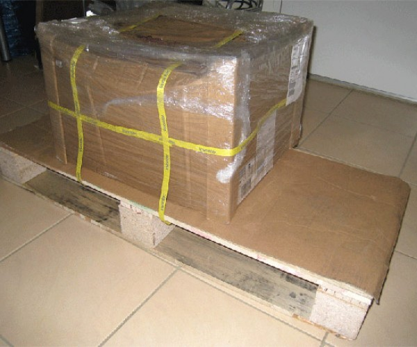 Hp Sends Customer a Boxful of Stupid – or Did They?