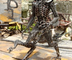 alien art from steel 300x250
