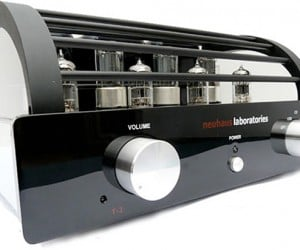 Neuhaus T-2 USB Tube Amplifier: Simply Expensive. I Meant Exquisite.
