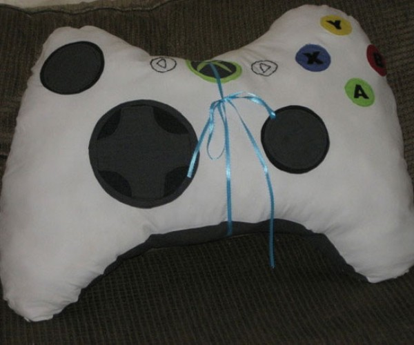Xbox 360 Controller Pillows: Those Aren't Controllers!