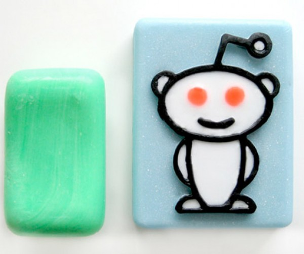 Reddit Brings Bacon Scent to Your Shower