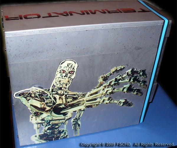 Terminator Casemod, for Anyone Who Wants a Terrifying Machine