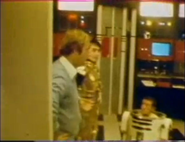 Anthony Daniels as C 3PO and Kenny Baker as R2 D2