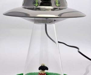Alien Abduction Lamp: the Aliens have Finally Landed!