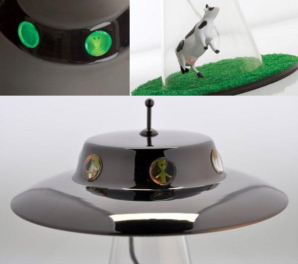 alien_abduction_lamp_4