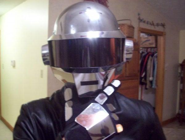 Daft_Punk_Helmet_2