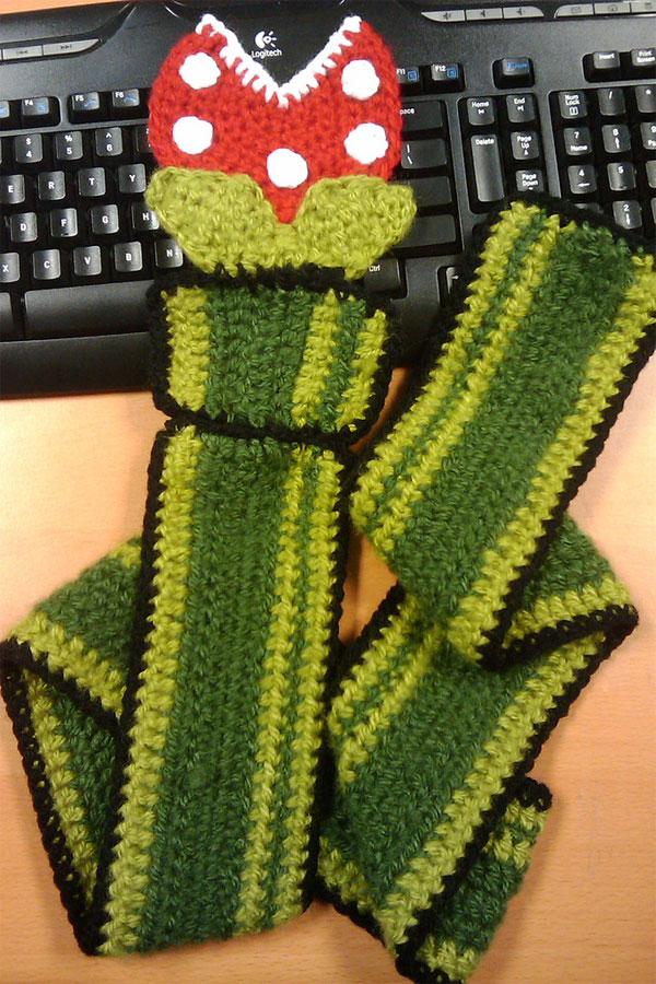 piranha_plant_scarf