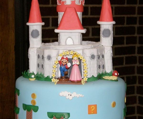 Super Mario Cake Goes the Extra Pipelength