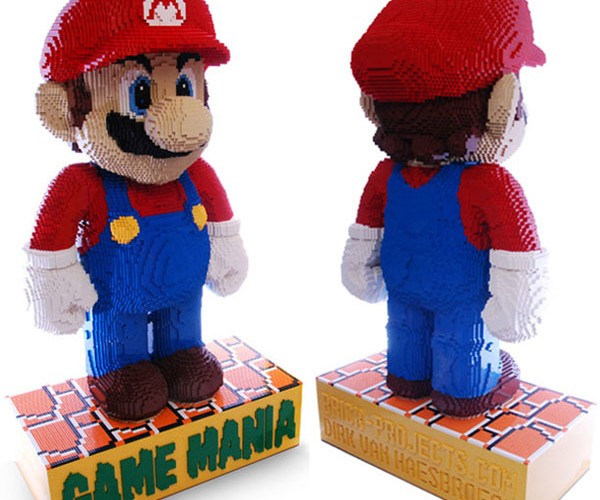 Worlds_Largest_LEGO_Mario11