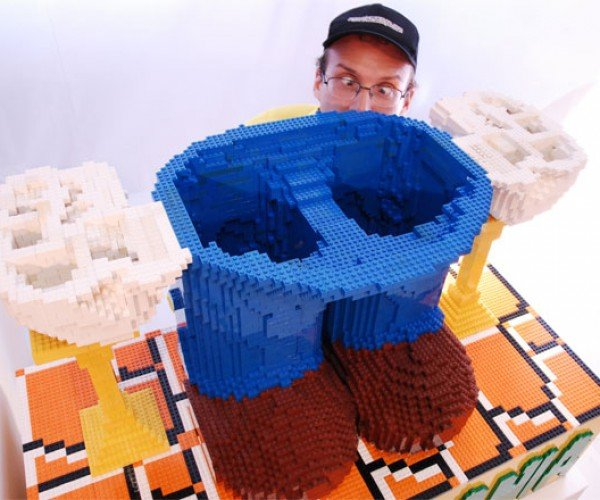 Worlds_Largest_LEGO_Mario_2