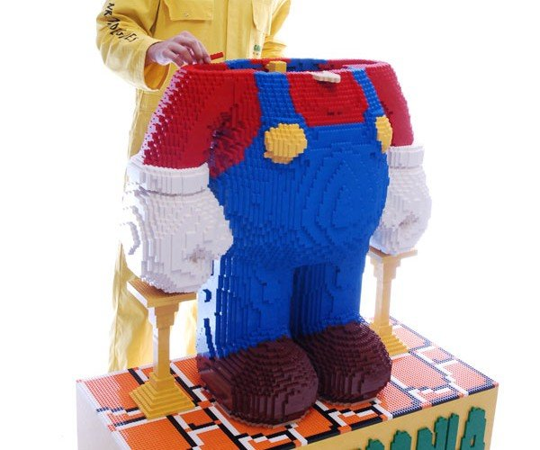 Worlds_Largest_LEGO_Mario_6