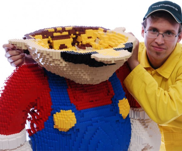 Worlds_Largest_LEGO_Mario_8