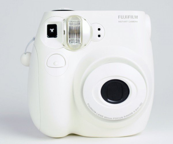 Fuji Instax Camera Prints Tiny Pics for $1 Each, Will Really Make You Treasure Your Captured Memories