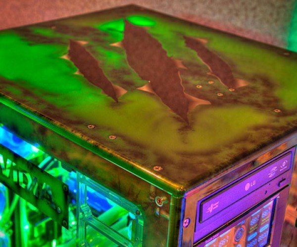 Nvidia_Glowing_Casemod_4