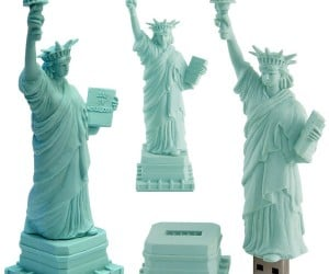Statue of Liberty USB Drive Welcomes Immigrant Memories