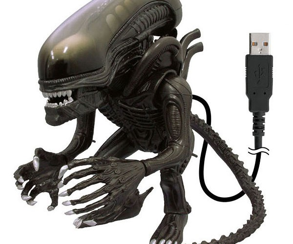 USB Alien: in Your Cubicle, Noone Can Hear You Scream