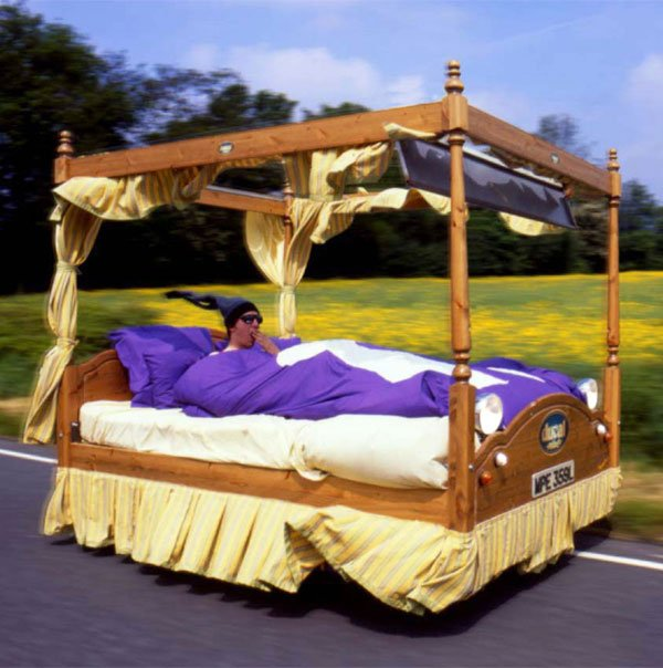 worlds wackiest racers bed