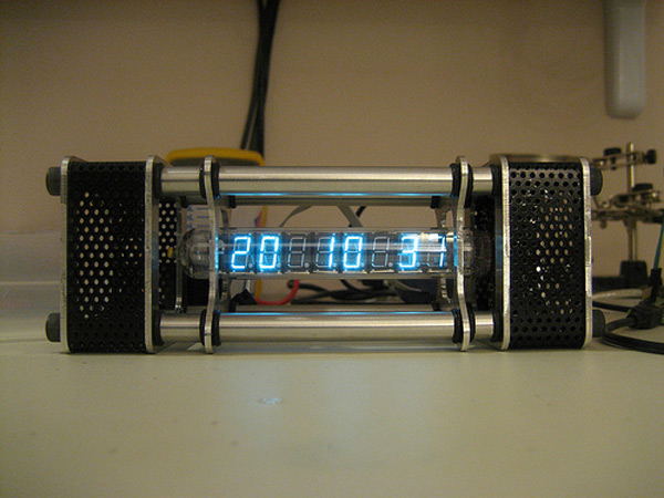 The Nieda vacuum tube clock