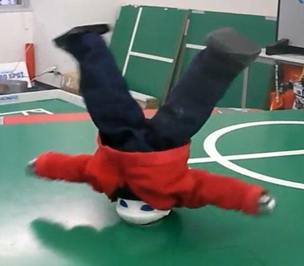breakdancing_robot