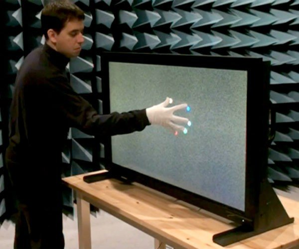Dreamtouch: Multitouch Display Counts All 32 of Your Fingers