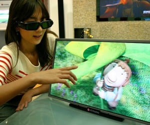 LG Reveals World'S First Production HD 3d LCD HDTV Monitor, Mercifully Refrains From Mentioning Price