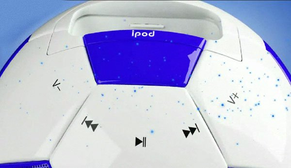 misoccer_ipod_football_dock