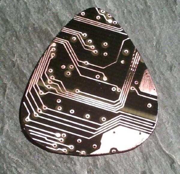 tb-guitarpick