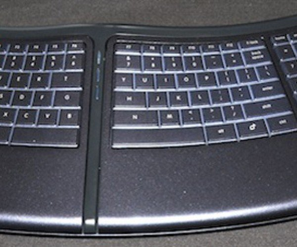 Smartfish'S Motorized Keyboard Aims to Relieve Stress