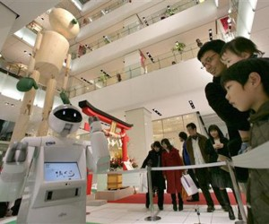 Fujitsu Enon Robot Gets Upgrade: Convinces You to Buy Stuff