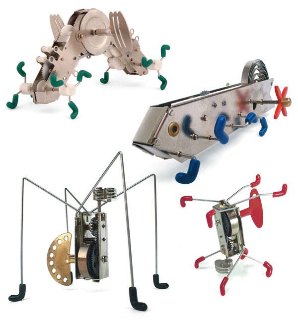 kikkerland_crawing_critter_wind_up_toys