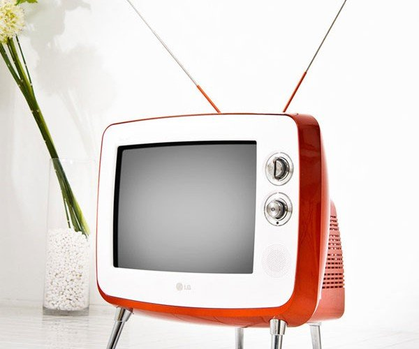 LG Serie 1 Retro Classic Tv: Everything Old is New Again