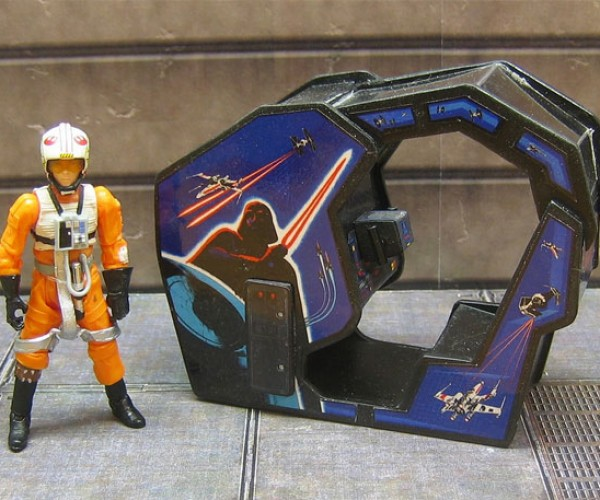 Star Wars Arcade Cabinet Gets Miniaturized: My, What a Small Cockpit You have