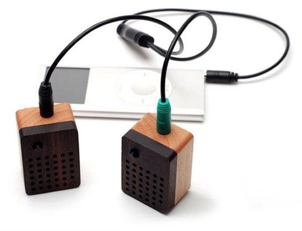 motz_stereo_wooden_speakers