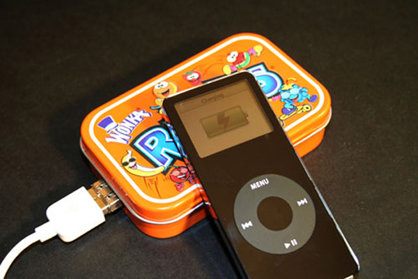 mintyboost charger runtyboost make ipod iphone