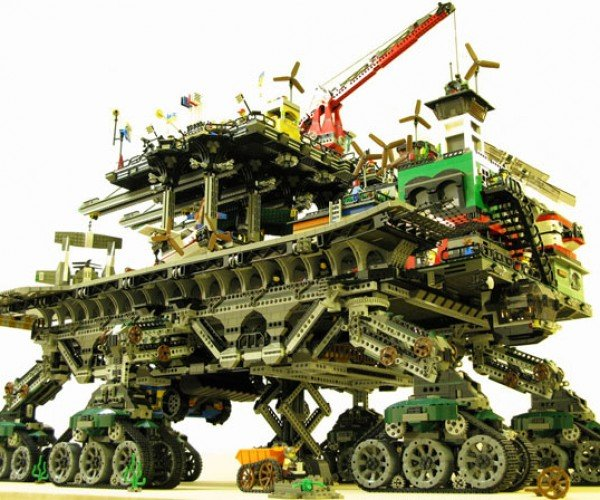 The Ultimate LEGO Build: the LEGO Crawler Town