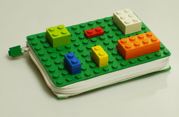 lego_wallet_side_view