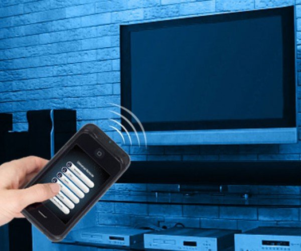 New Case Turns Your iPhone Into Universal Remote of Pwnage