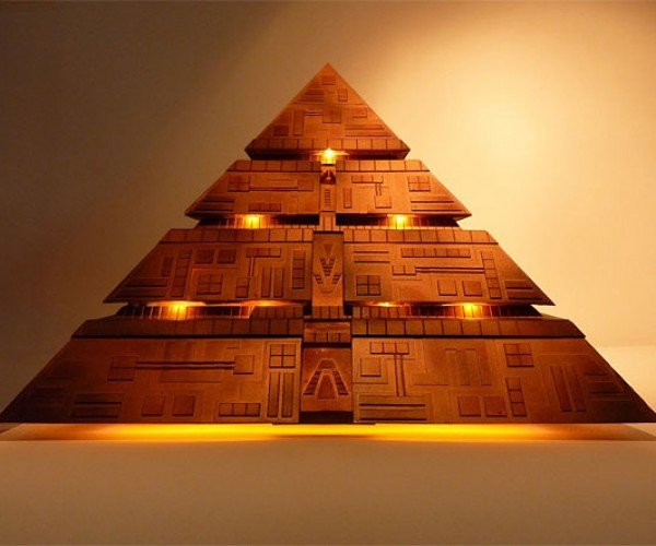 Stargate Pyramid Pc Gets Energy From Outlets, Not Pyramid Power