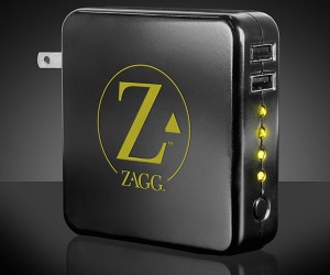 Zaggsparq USB Charger Recharges Gadgets With or Without an Outlet